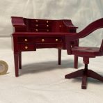 Desk and Chair – Mahogany (DSK04)